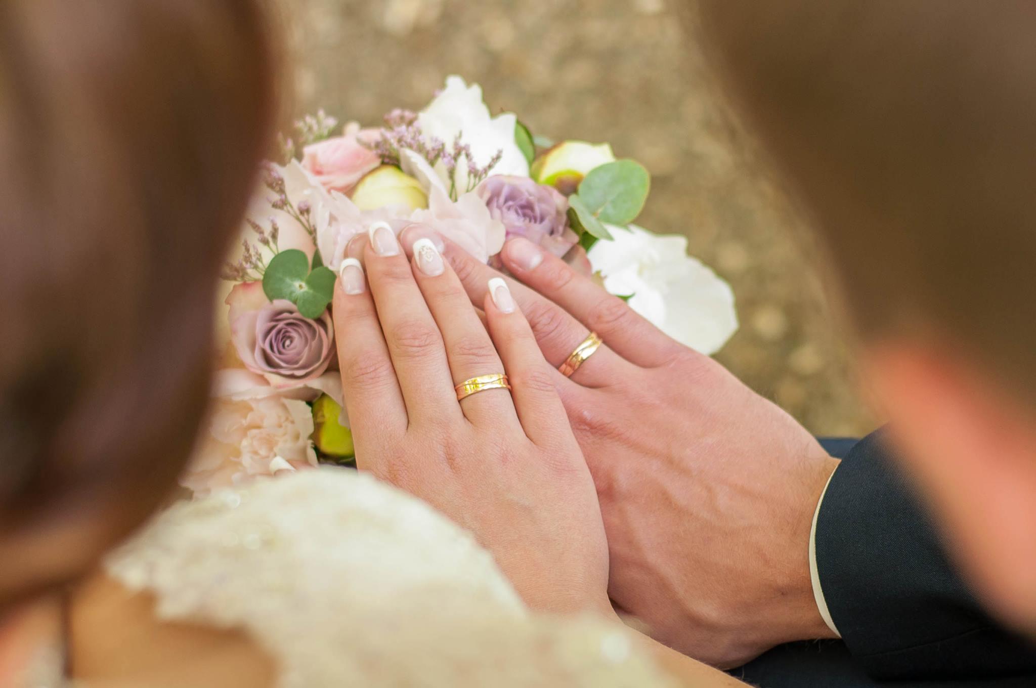 Elegantiški vestuviniai žiedai pagal užsakymą
