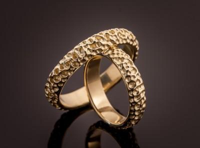 Vestuviniai žiedai iš geltono aukso