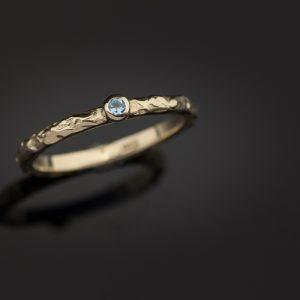 Sužadėtuvių žiedas su topazu