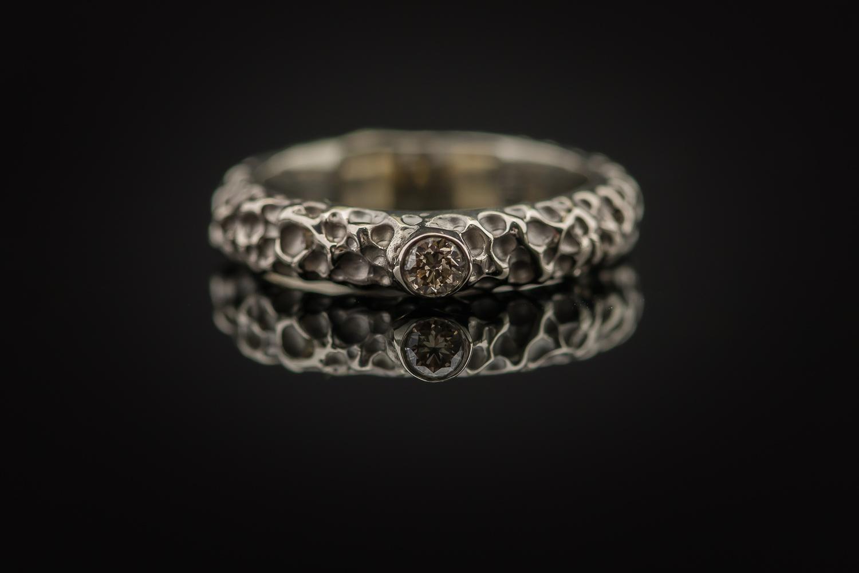 Sužadėtuvių žiedas us briliantu