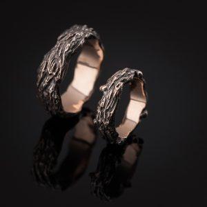 Tumo ir Giedrės vestuviniai žiedai iš raudono aukso