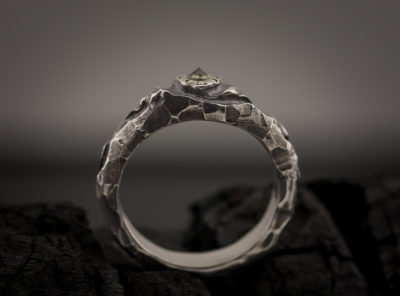 Sužadėtuvių žiedas su safyru