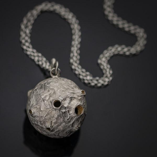 Pomanderis mėnulis
