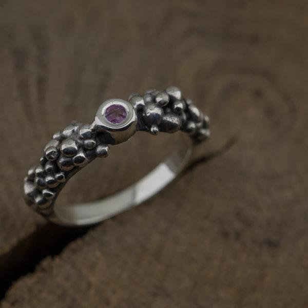Žiedas su safyru